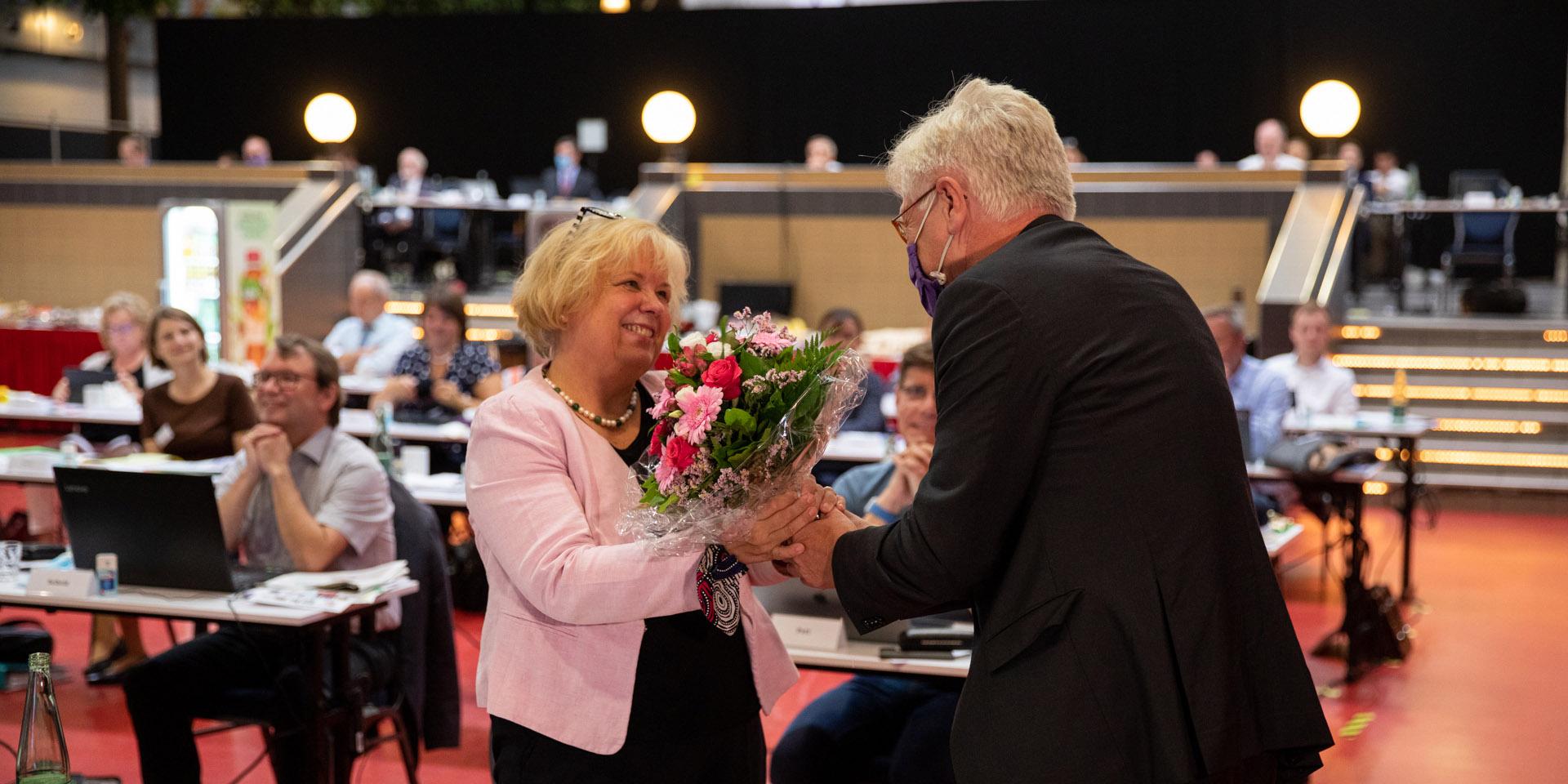 Landesbischof gratuliert Annekathrin Preidel